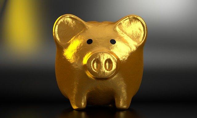 金色のぶたの貯金箱